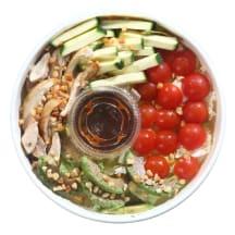 Salotos su kepta vištiena ir avokadais, 310g